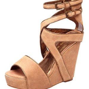 Koolaburra by Ugg Whitney Wedge Sandal Size 7
